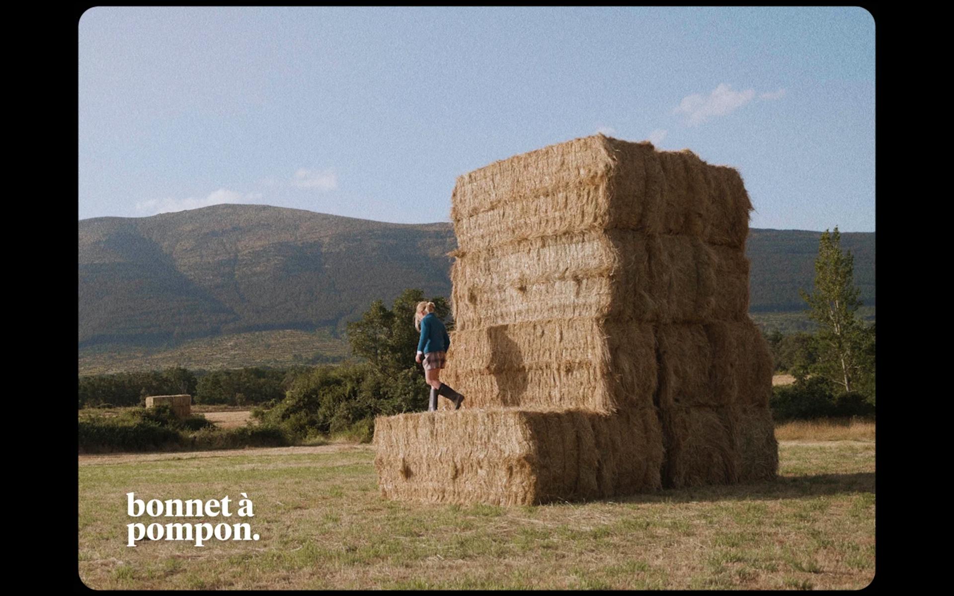 Imagen de la campaña realizada para Bonnet à Pompon como productora audiovisual moda infantil