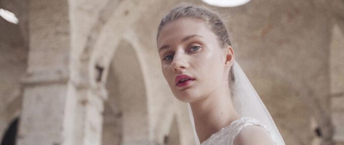 Primer plano de modelo de Fernando claro 'Forever Love' - productora audiovisual moda