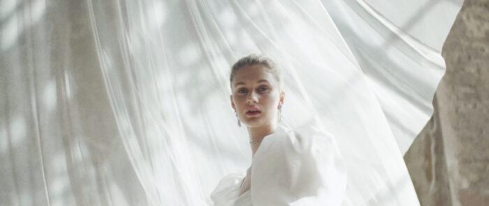 Imagen de modelo en la campaña 'Forever love'., de Fernando claro - productora audiovisual moda