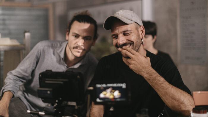 productora-audiovisual-sevilla-we are the aqui casa-plata